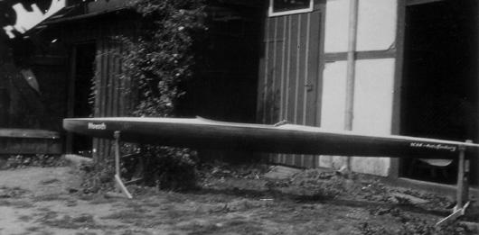 Erster Holz-Rennkajak 1948